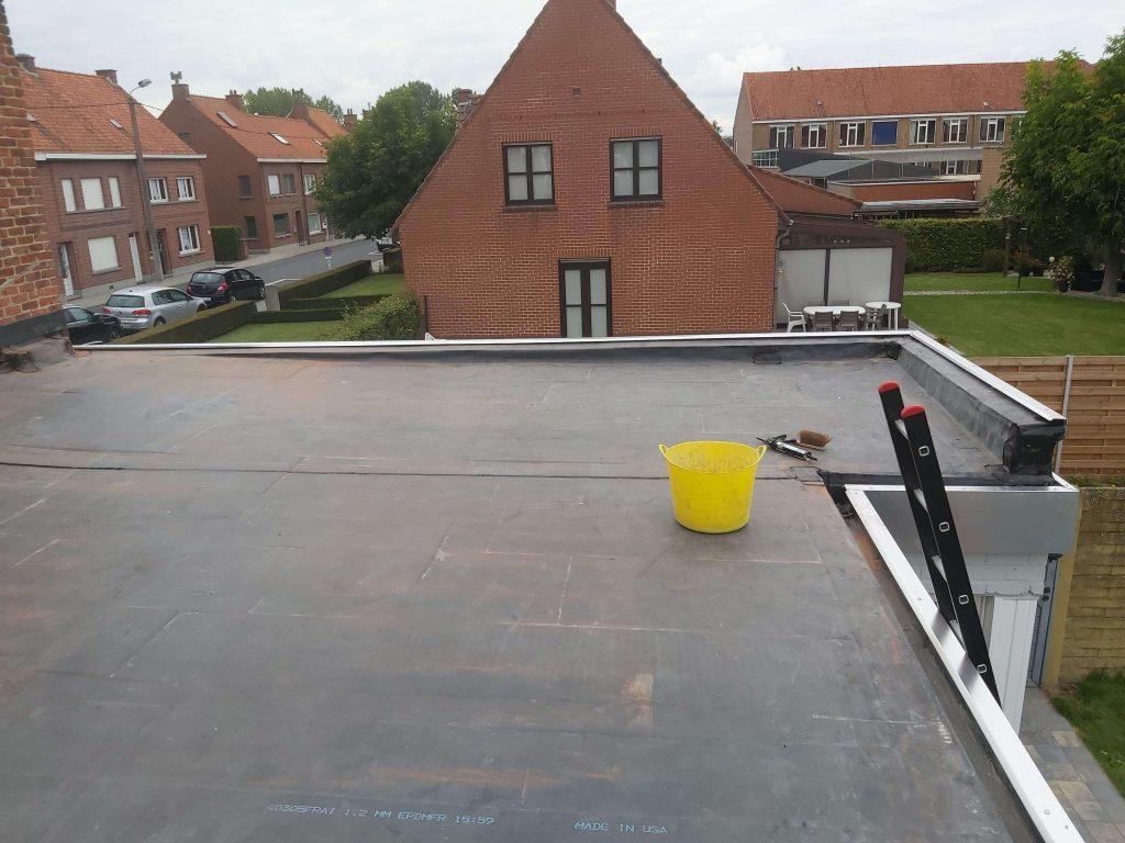 Dakwerken B-concept BV realisatie plat dak kortrijk